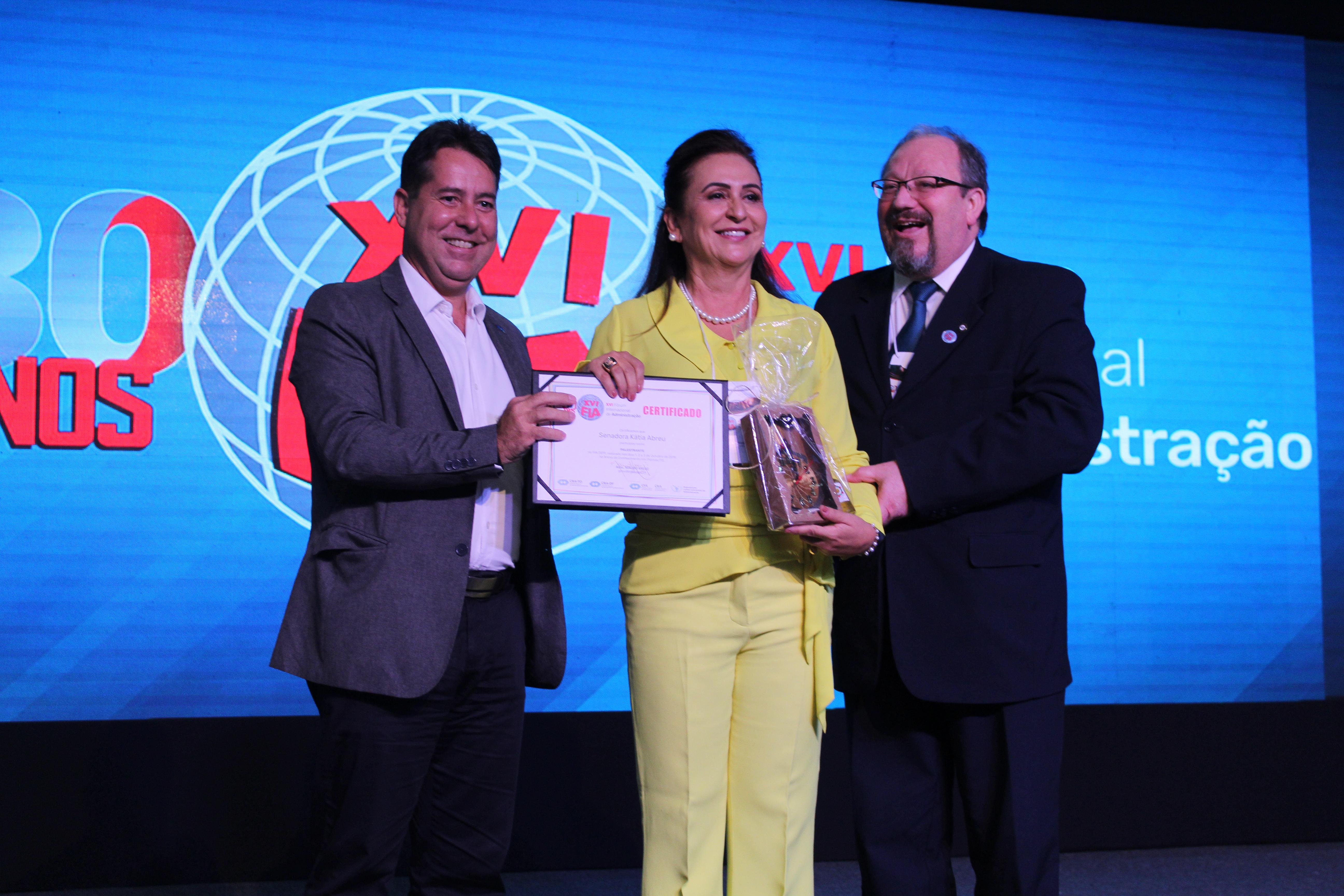 Com foco no agronegócio do País, Katia Abreu ministra palestra no FIA