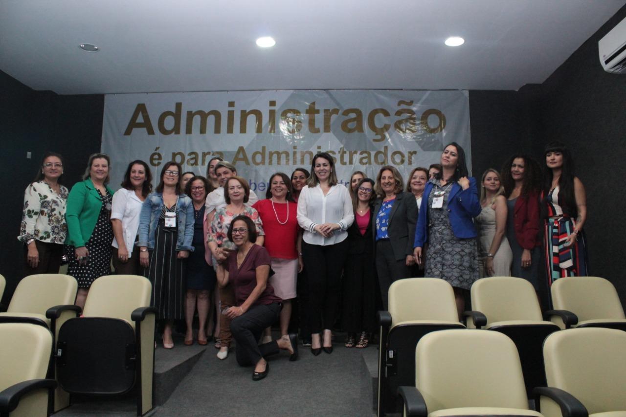 II Fórum Nacional das Mulheres Administradoras conta com presença da prefeita de Palmas